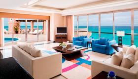 Grand Fiesta Americana Coral Beach Cancun - Cancún - Living room