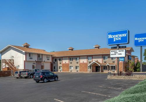 Rodeway Inn Rapid City 46 5 7 Rapid City Hotel Deals Reviews Kayak