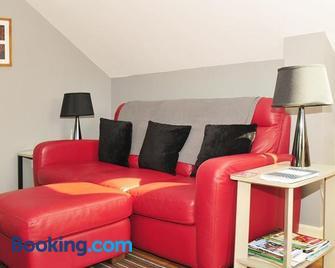 Wenlock Edge - Much Wenlock - Living room