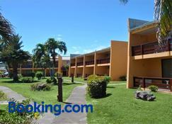Sugar Bay Club Suites & Hotel - Basseterre - Building