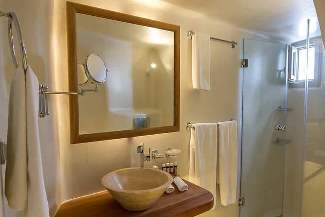 La Perla Villas And Suites - Oia - Bathroom