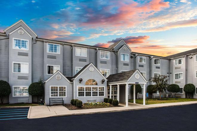 Microtel Inn & Suites by Wyndham Chattanooga/Near Hamilton P - Chattanooga - Toà nhà