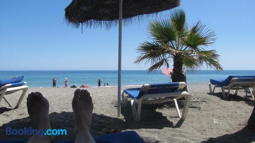 Hostal Avalon - Nerja - Beach