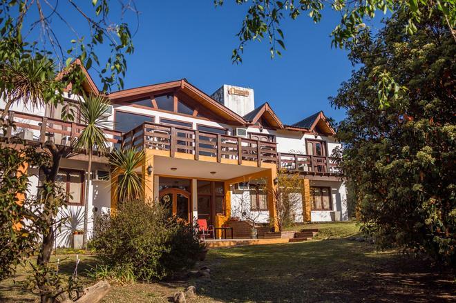 Shemak Posada - Villa General Belgrano - Building