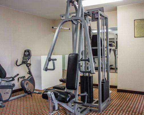 Rodeway Inn MacArthur Airport - Ronkonkoma - Gym