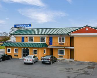 Rodeway Inn - Milford - Building