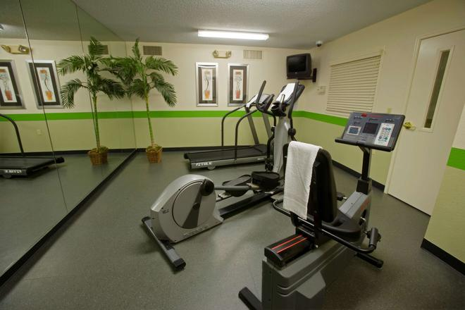 Extended Stay America - Chicago- O'Hare - Allstate Arena - Des Plaines - Gym