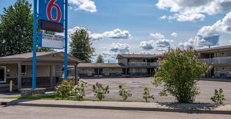 Motel 6 Fort Nelson - Bc - Форт-Нельсон