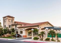 Quality Inn Near China Lake Naval Station - Ridgecrest - Gebouw