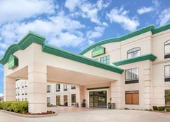 Wingate by Wyndham Lafayette Airport - Lafayette - Building