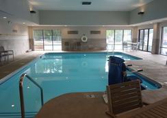 Country Inn And Suites by Radisson La Crosse, WI - La Crosse - Pool