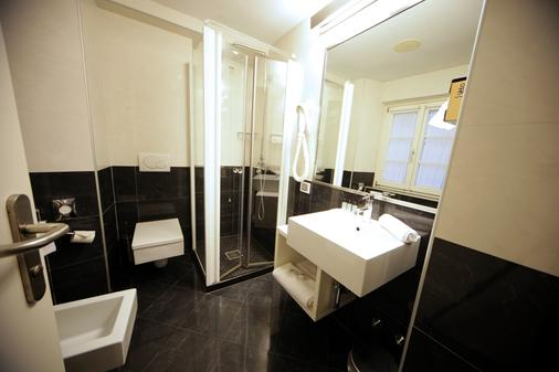 Urban Hotel Design - Trieste - Bathroom