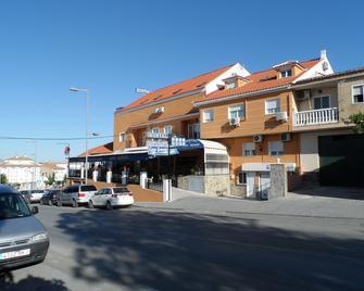 Hotel Restaurante Casa Grande - Baza - Gebäude