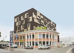 B&B Hôtel Lille Roubaix Centre Gare - Roubaix - Building