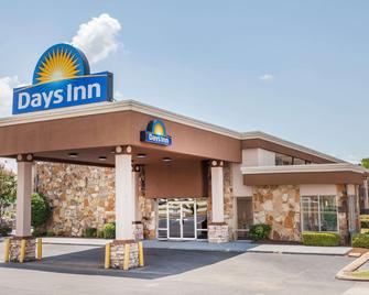 Days Inn by Wyndham Jackson - Jackson - Building
