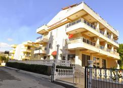 Golden Star Hotel - Marmaris - Edificio