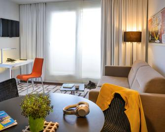 Hipark by Adagio Grenoble - Grenoble - Living room