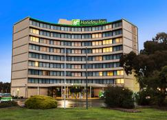 Holiday Inn Melbourne Airport - Melbourne - Building