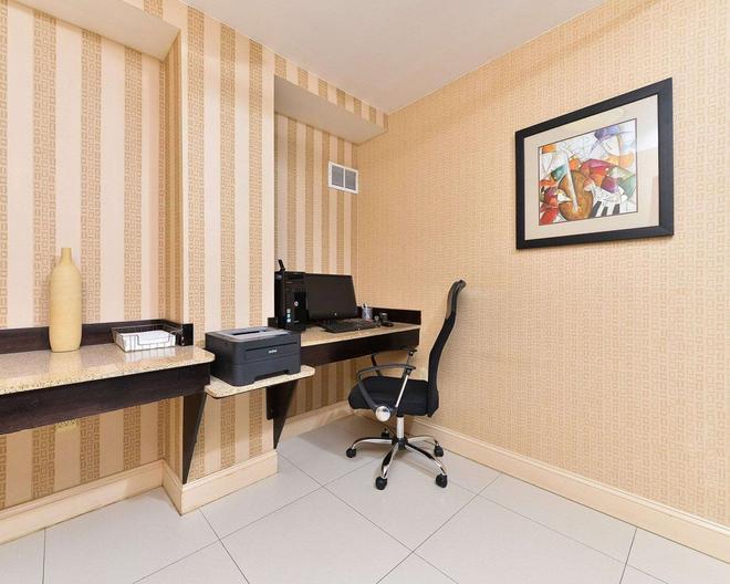 Quality Suites - Tinton Falls - Centre d'affaires
