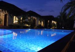 White Sea Boutique Hotel - Krong Preah Sihanouk - Pool