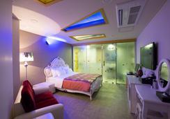 MJ Hotel - Thành phố Seogwipo - Phòng ngủ