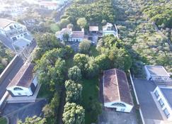 Vilar dos Carvalhinhos - Прая-да-Витория - Вид снаружи