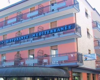 Hotel Mediterranée - Spotorno - Building