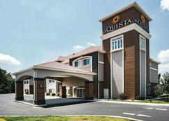 La Quinta Inn & Suites by Wyndham Chambersburg - Chambersburg - Rakennus