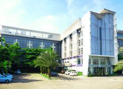 Hotel Yasmin Karawaci - Tangerang City - Building
