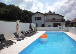 Chambre d'hôtes Zubiata - Saint-Jean-le-Vieux - Pool