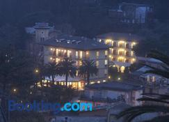 Hotel Villa Adriana - Monterosso al Mare - Gebouw