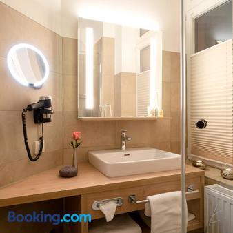 Romantik Hotel Villa Sayn - Bendorf - Bathroom
