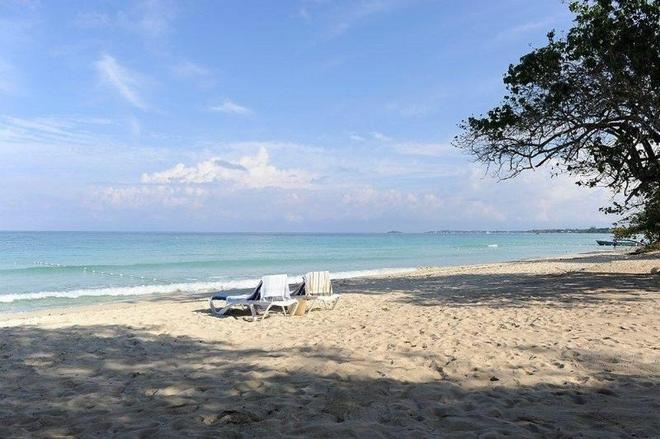 Merril's Beach Resort I - Negril - Beach