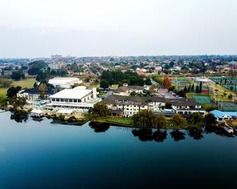 The Lakes Hotel and Conference Centre - Benoni - Vista del exterior