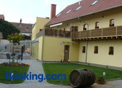 Relax Hotel Stork - Lednice - Building