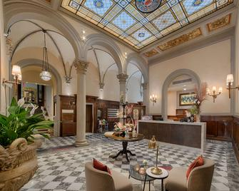 NH Collection Firenze Porta Rossa - Florence - Lobby