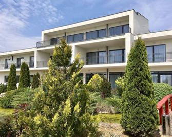 Garden Hotel Medical & Spa - Debrețin - Building