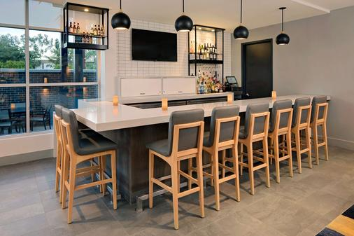 Hyatt House Irvine/John Wayne Airport - Irvine - Bar