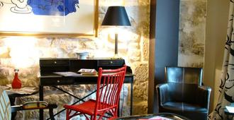 Prince de Conde - Paris - Bedroom