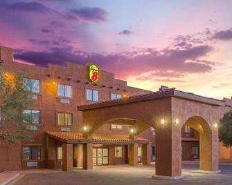 Super 8 by Wyndham Page/Lake Powell - Page - Building