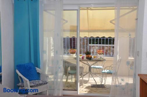 Escale au soleil Hôtel et Appartement - Fréjus - Ban công