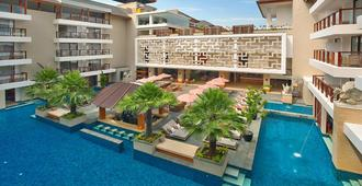 The Bandha Hotel & Suites - Kuta - Building