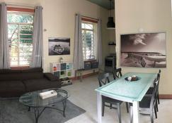 Gladiolas 1 209 - Ponce - Sala de estar