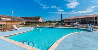 Studio 6 Huntsville, TX - Huntsville - Pool