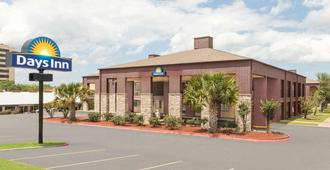 Days Inn by Wyndham College Station University Drive - College Station