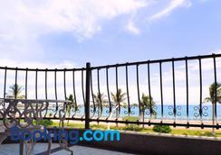 White Sand Homestay - Hualien City - Balcony