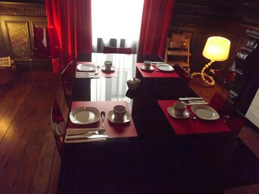 Maison Az Hotel - Brussels - Dining room