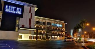 ロット 10 ブティック ホテル - クチン