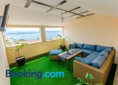 Apartments Napoli - Bol - Living room