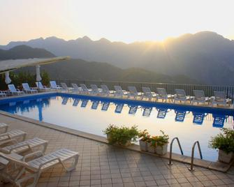 Hotel Graal - Ravello - Pool